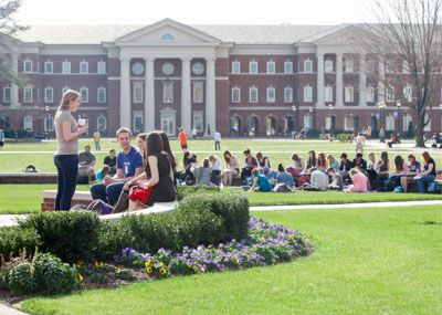 Class on the Great Lawn
